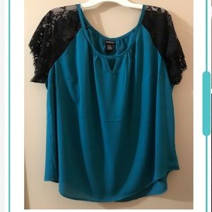 Torrid lace raglan sleeve top